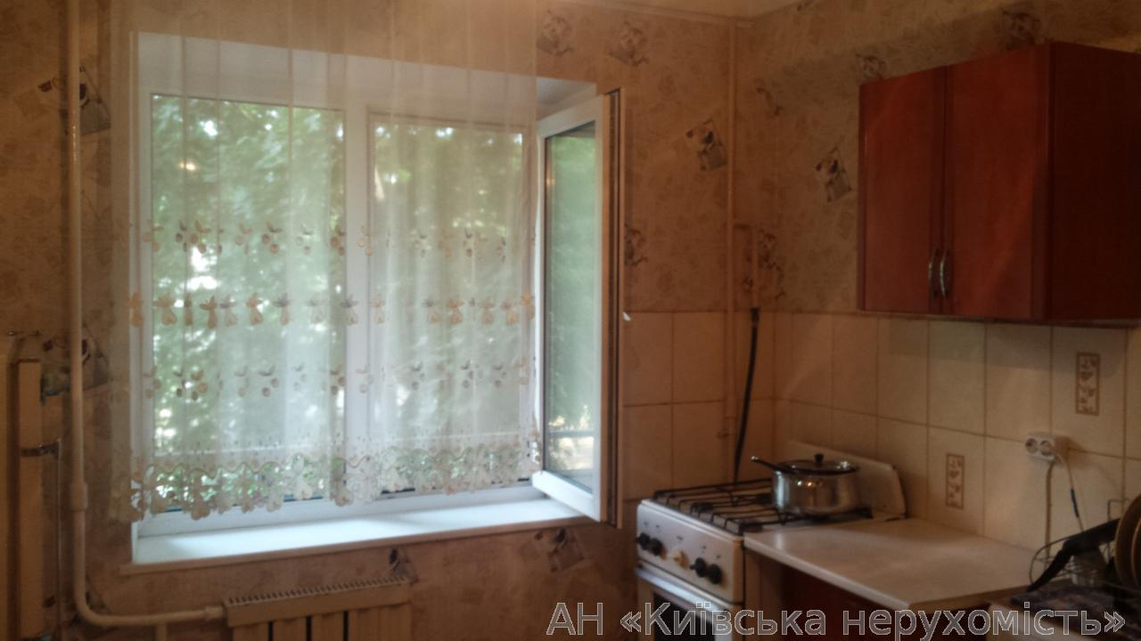 Фото - Продам квартиру Киев, Наумова Генерала ул.