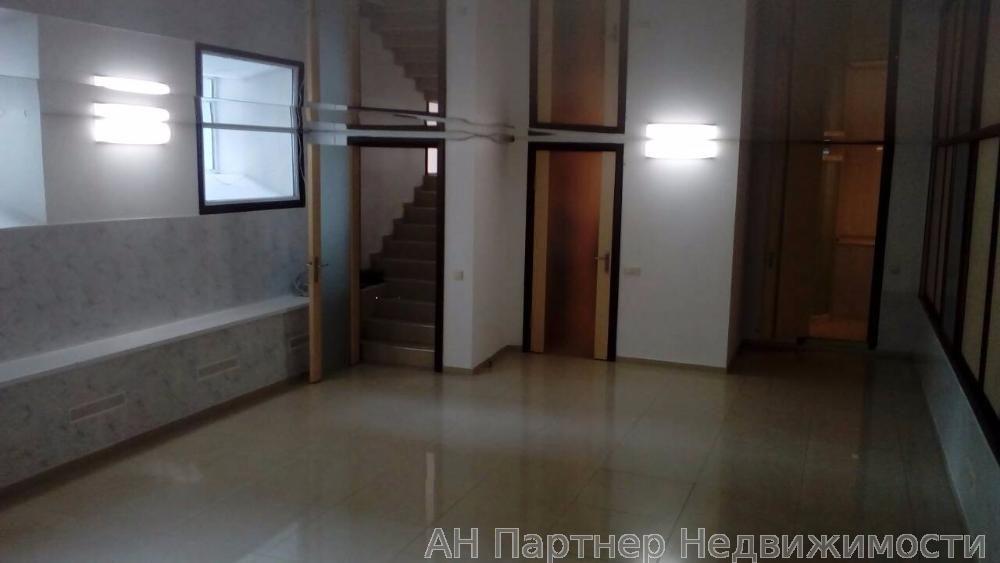 Фото 2 - Продам офисное помещение Киев, Михайловская ул.