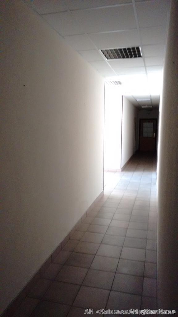 Продам отдельно стоящий офис Киев, Набережно-Крещатицкая ул. 4