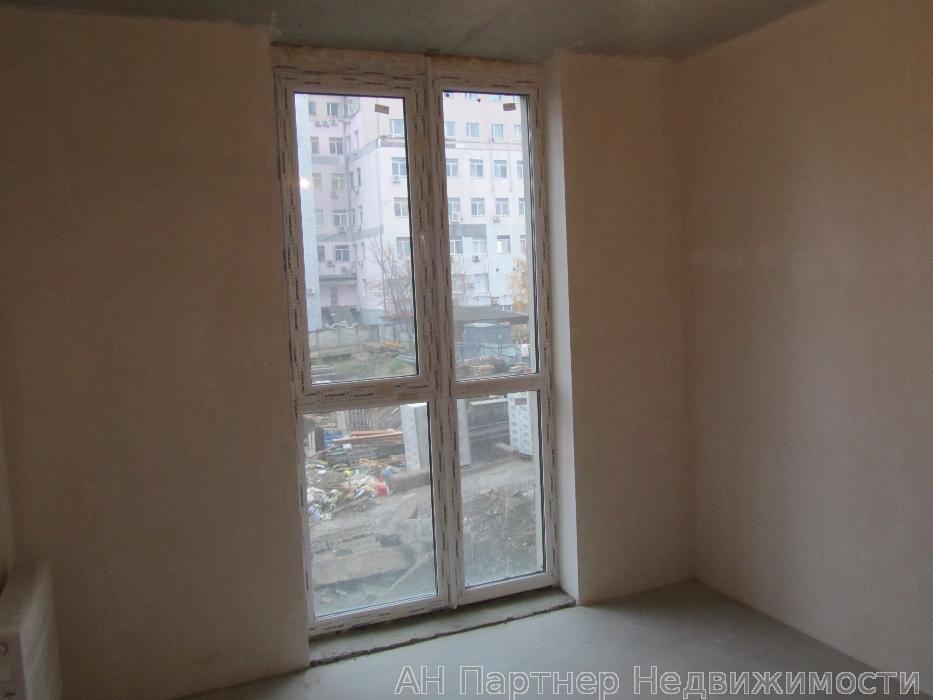 Продам квартиру Киев, Богдановская ул. 3