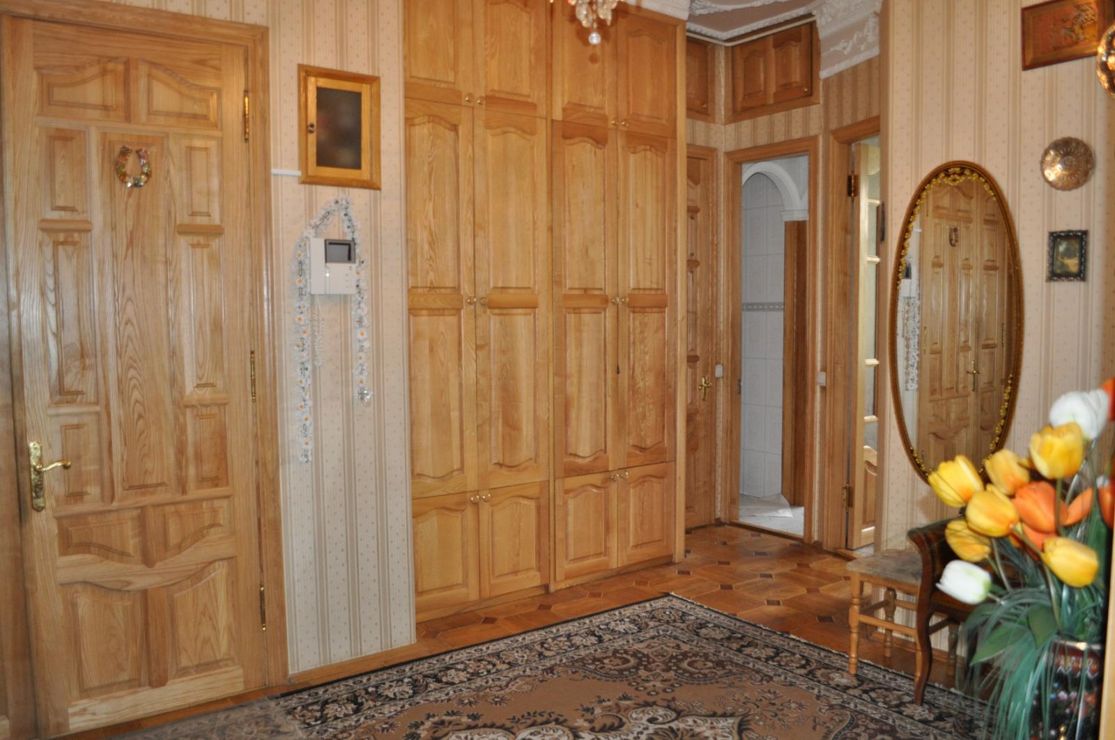 Продам квартиру Киев, Грушевского Михаила ул. 2
