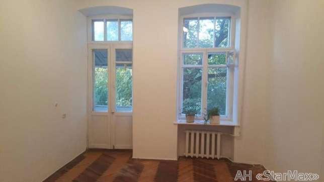 Сдам офис в многоквартирном доме Киев, Сагайдачного Петра ул.