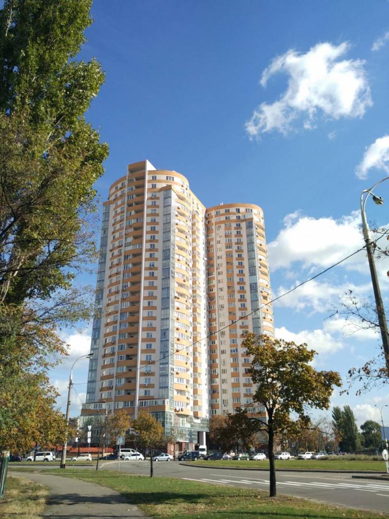 Продам офисное помещение Киев, Шумского Юрия ул. 3