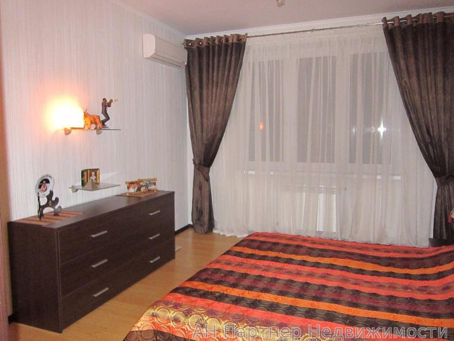 Фото 2 - Продам квартиру Киев, Днепровская наб.