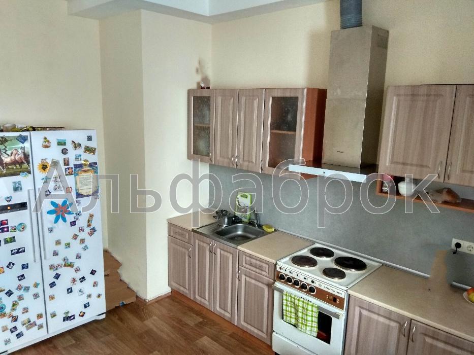 Продам квартиру Киев, Радунская ул.