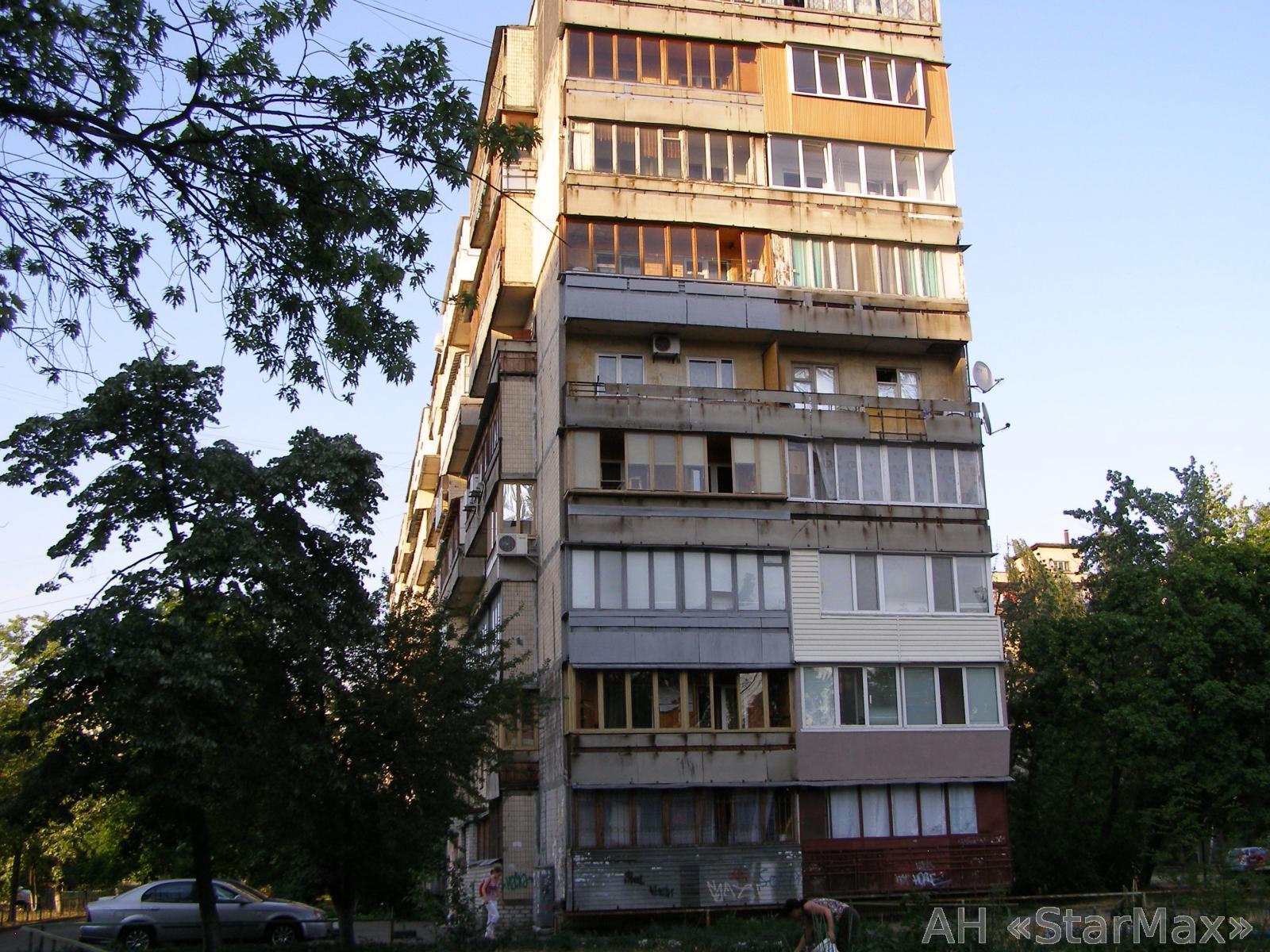Продам квартиру Киев, Березняковская ул. 2