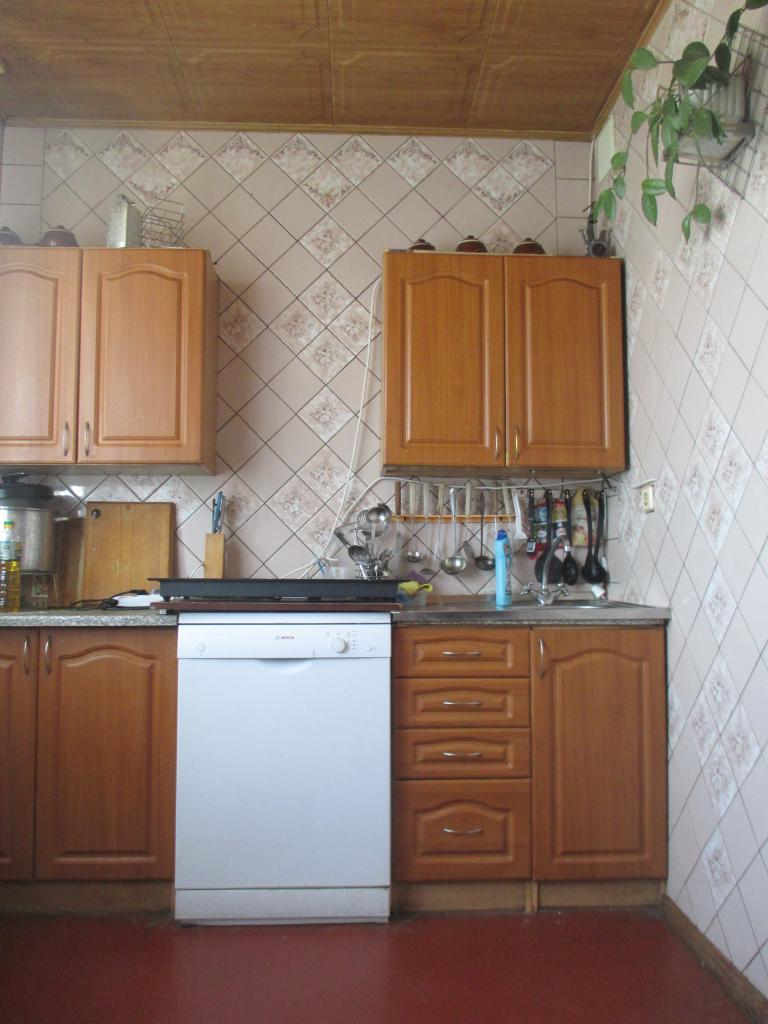 Продам квартиру Харьков, Саперная ул. 4