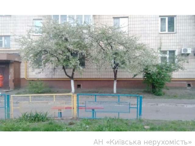 Продам квартиру Киев, Тростянецкая ул. 3