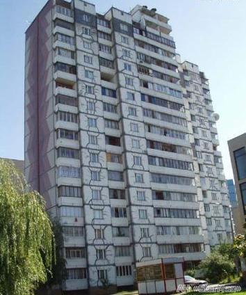 Продам квартиру Киев, Бережанская ул.