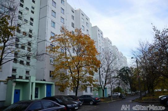 Продам квартиру Киев, Здолбуновская ул. 2