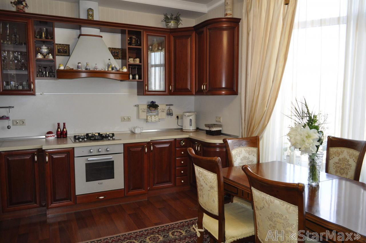 Продам дом Киев, Автопарковая ул.