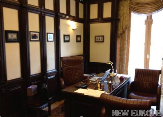 Продам офис в многоквартирном доме Киев, Шелковичная ул. 2