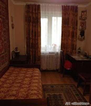 Продам квартиру Киев, Московская ул. 4