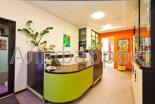 Продам офис в многоквартирном доме Киев, Рылеева ул.