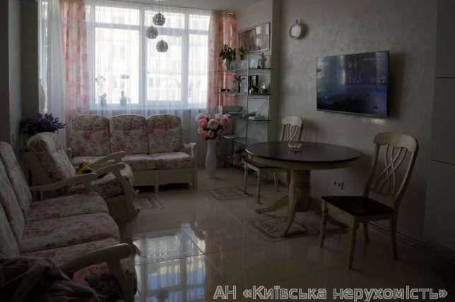 Продам квартиру Киев, Гетьмана Вадима ул. 2