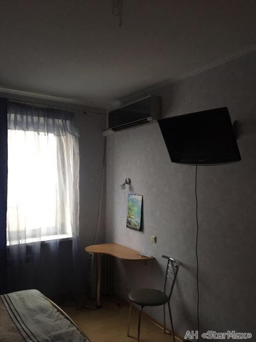 Продам квартиру Киев, Княжий Затон ул. 4