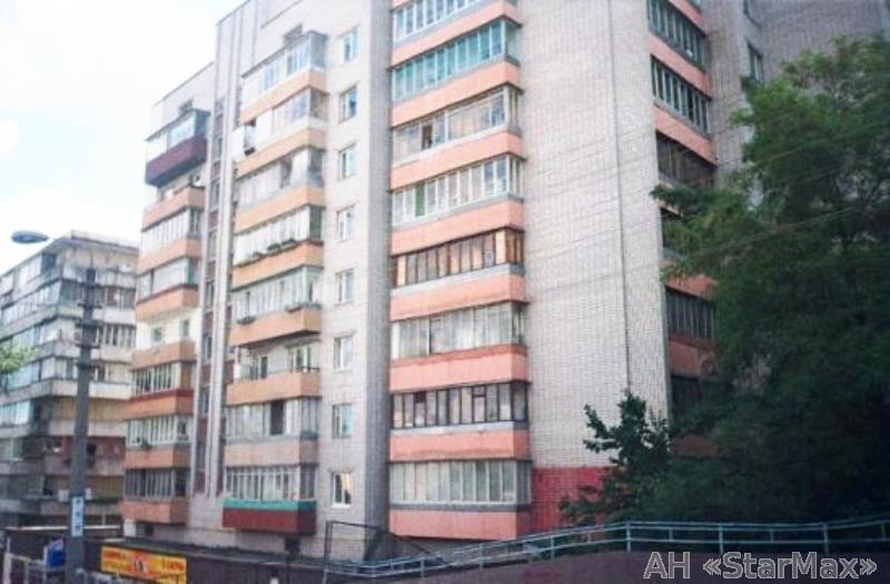 Продам квартиру Киев, Захаровская ул. 5
