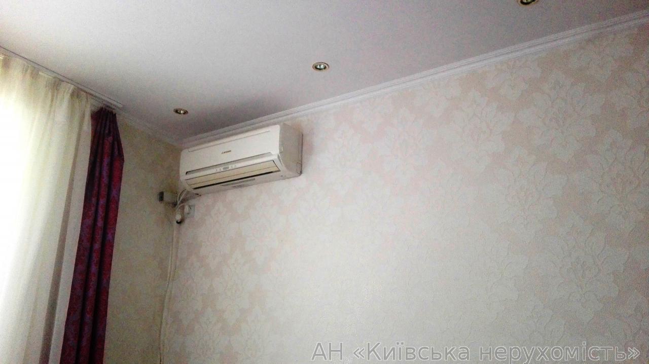 Фото 5 - Продам квартиру Киев, Московская ул.