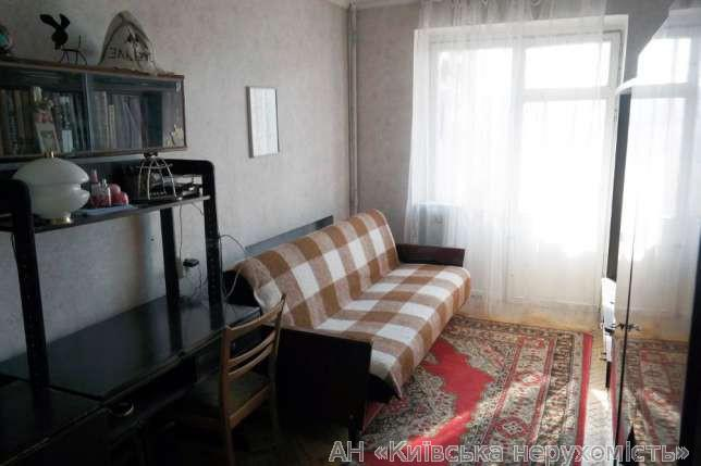 Продам квартиру Киев, Малокитаевская ул. 2