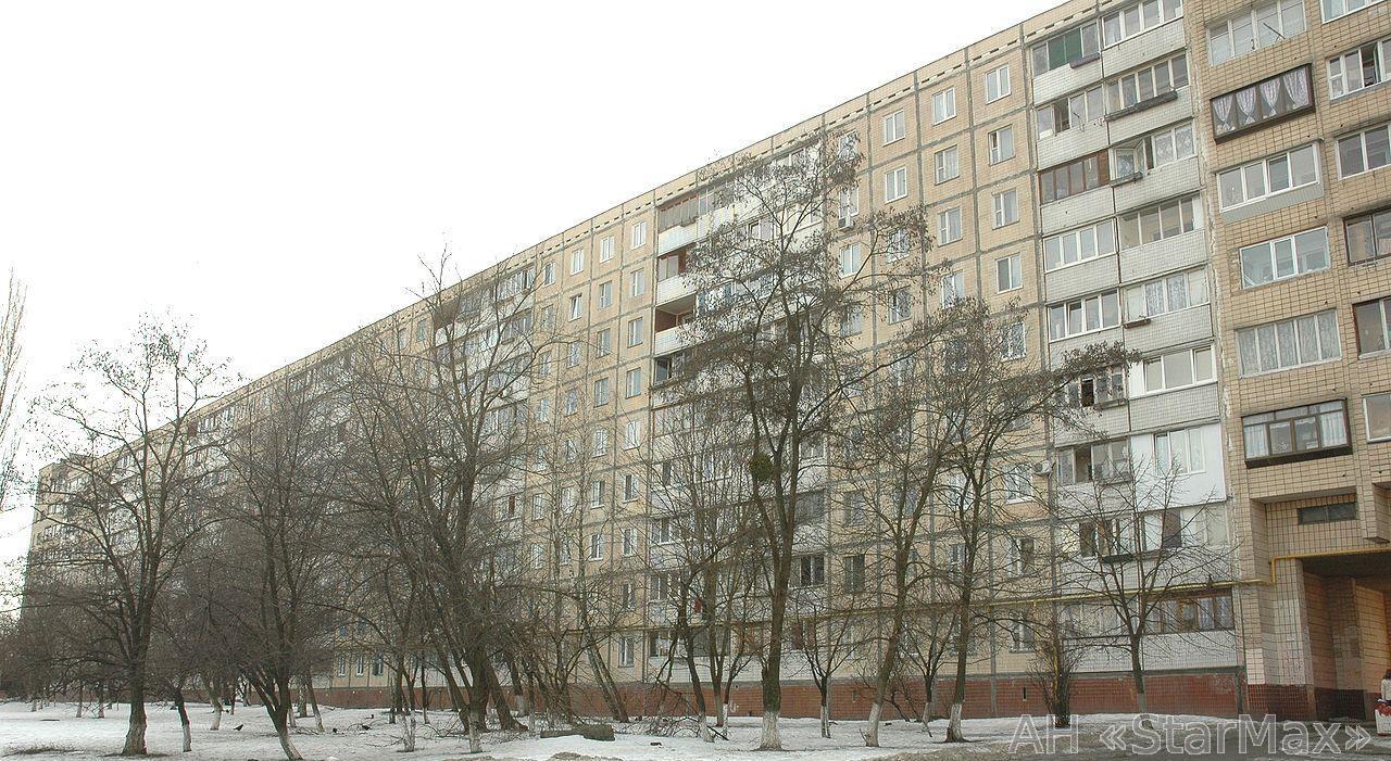 Продам квартиру Киев, Симиренко ул. 2