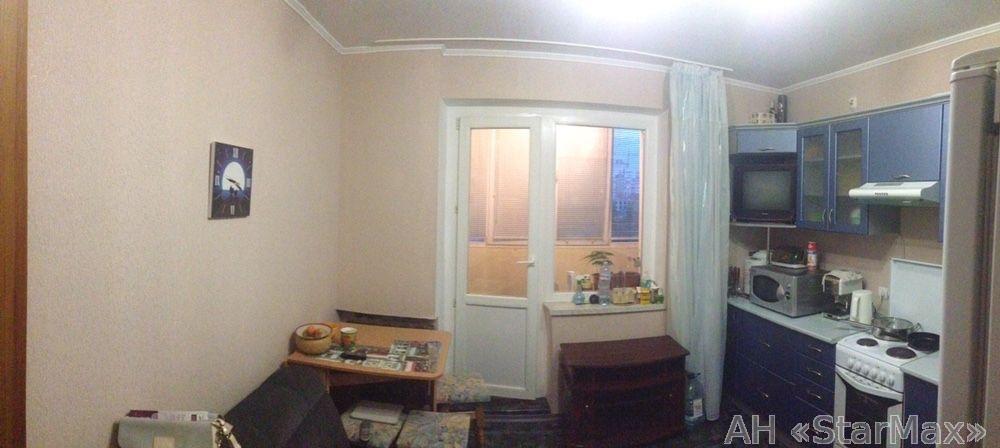 Продам квартиру Киев, Ревуцкого ул. 3