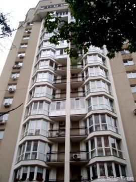 Продам квартиру Киев, Волынская ул. 5