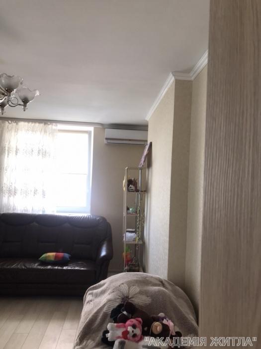 Сдам квартиру Киев, Крушельницкого ул.