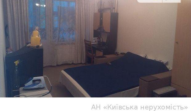 Продам квартиру Киев, Захаровская ул.