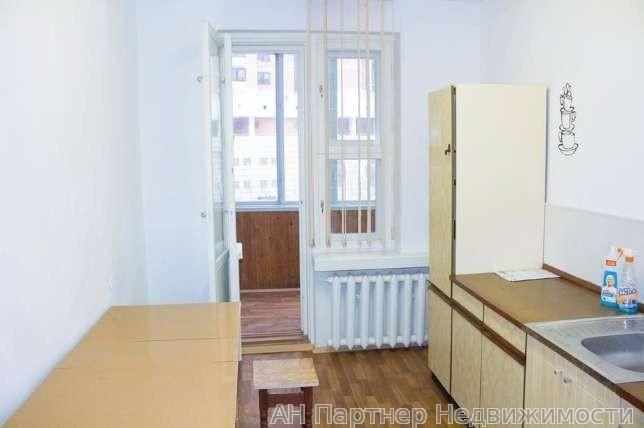 Продам квартиру Киев, Старонаводницкая ул. 4