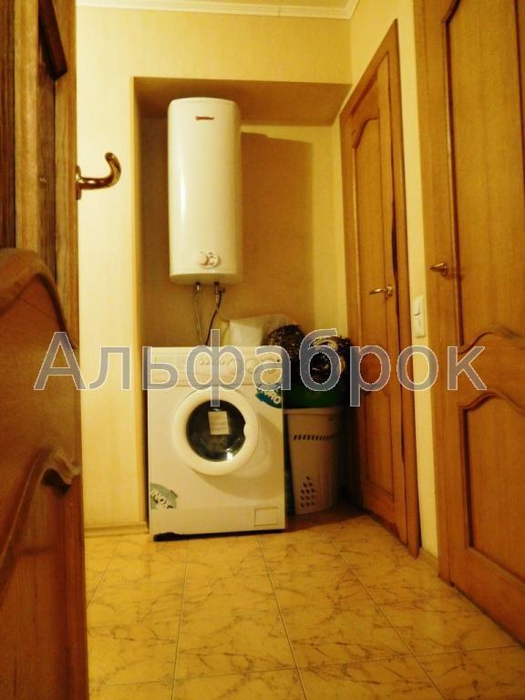 Продам офис в многоквартирном доме Киев, Белецкого Академика ул. 2