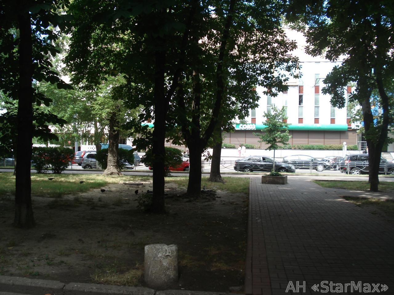 Продам офисное помещение Киев, Суворова ул. 5