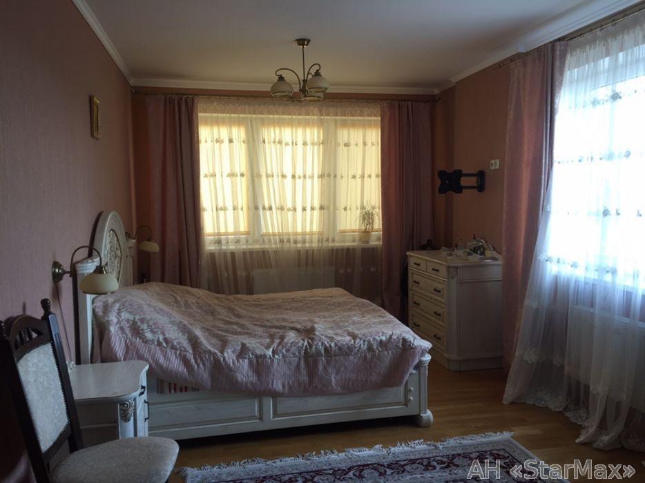 Продам квартиру Киев, Перова бул. 4
