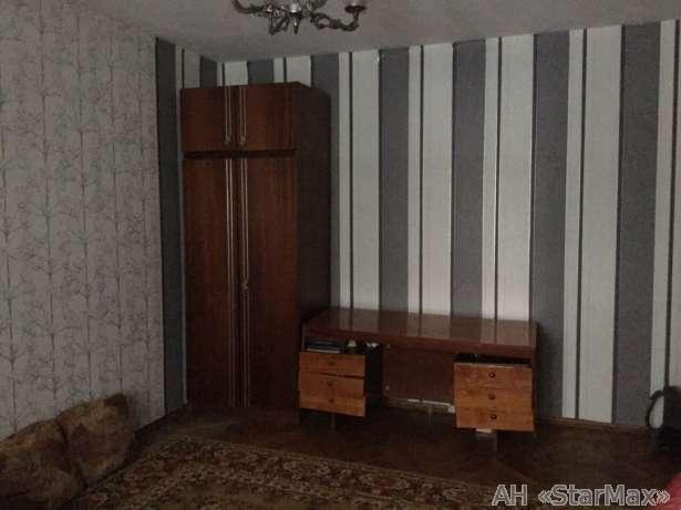 Продам квартиру Киев, Приречная ул.