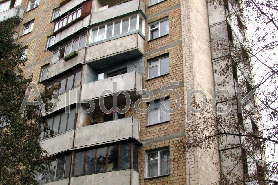 Продам квартиру Киев, Петропавловская ул.