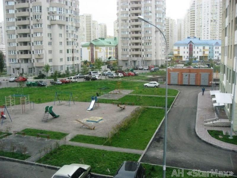 Продам квартиру Киев, Урловская ул. 2