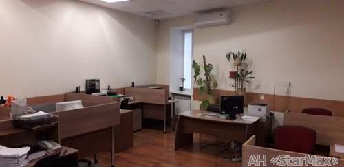 Продам офис в многоквартирном доме Киев, Голосеевский пр-т