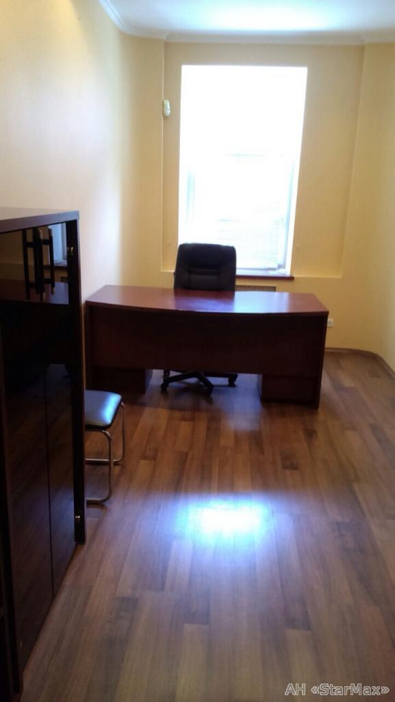Продам офисное помещение Киев, Шелковичная ул. 3