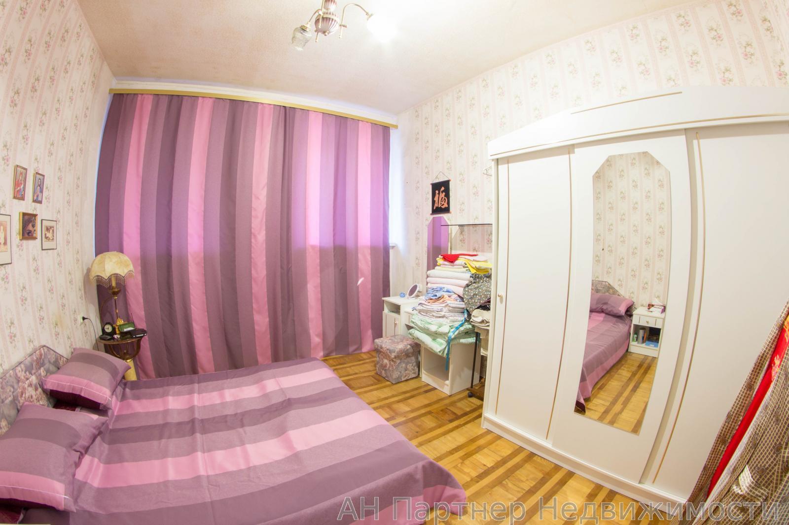 Продам квартиру Киев, Михайловская ул. 4