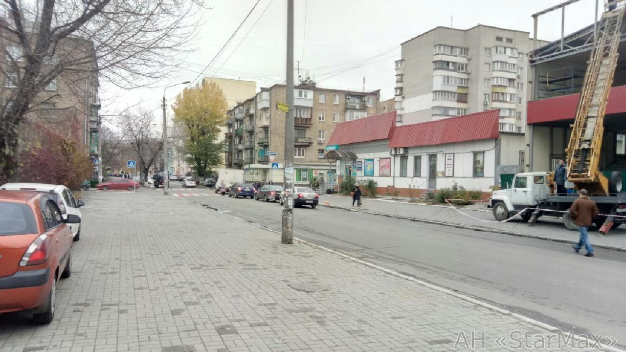 Продам торговый центр Киев, Межигорская ул. 2