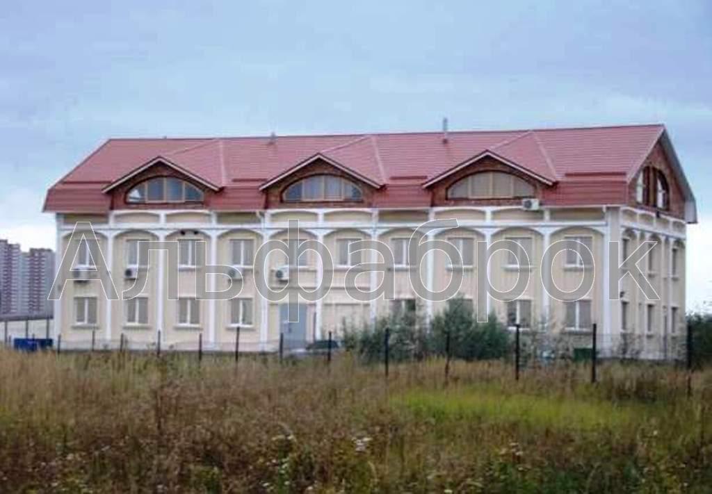 Продам нежилую недвижимость Киев, Милославская ул.