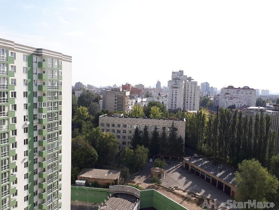 Фото - Продам квартиру Киев, Герцена ул.