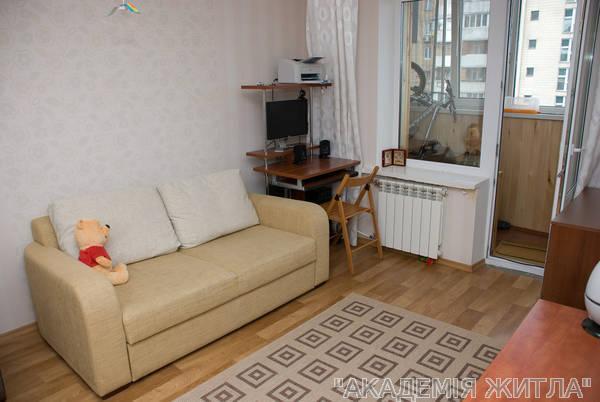 Продам квартиру Киев, Северная ул. 2