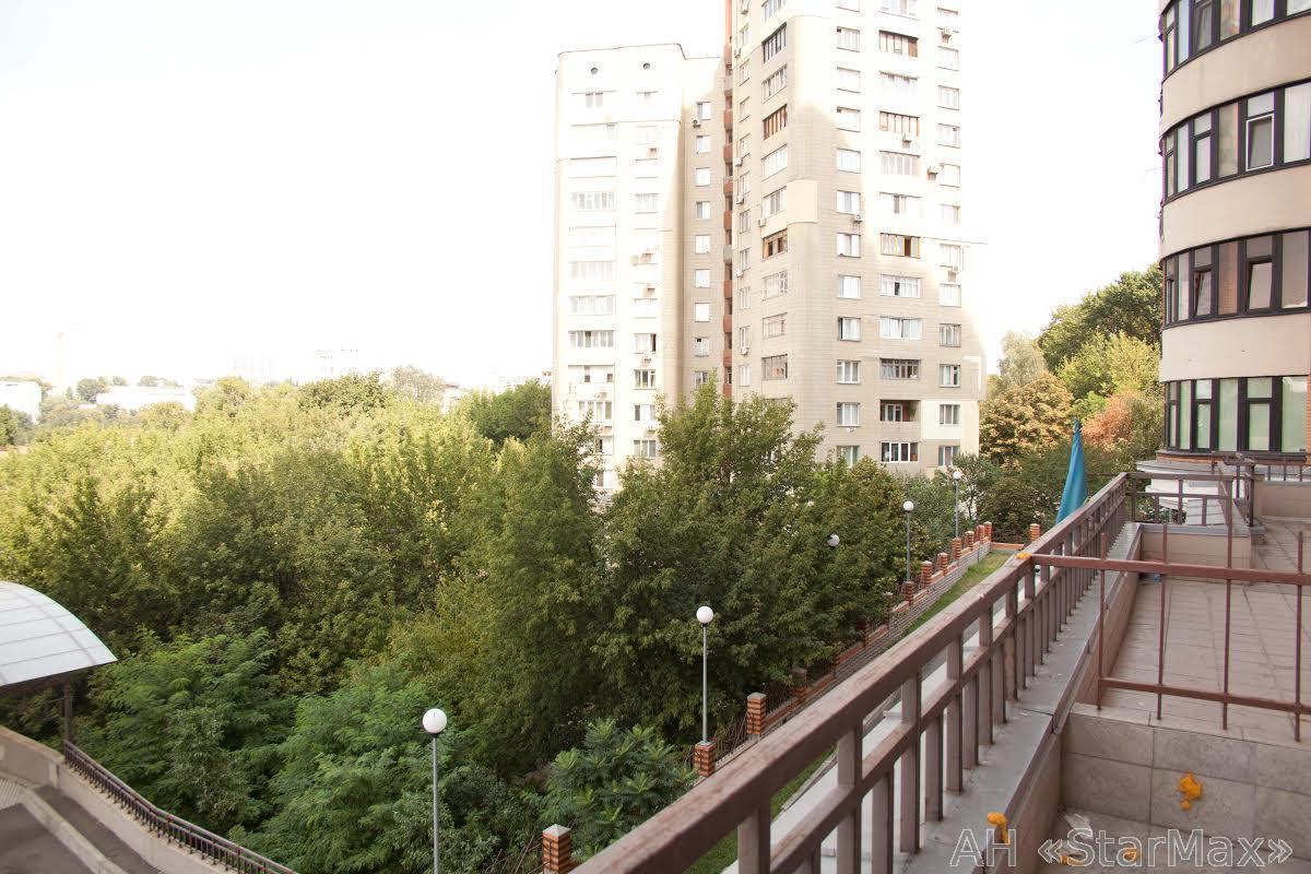 Продам офис в многоквартирном доме Киев, Леси Украинки бул. 2