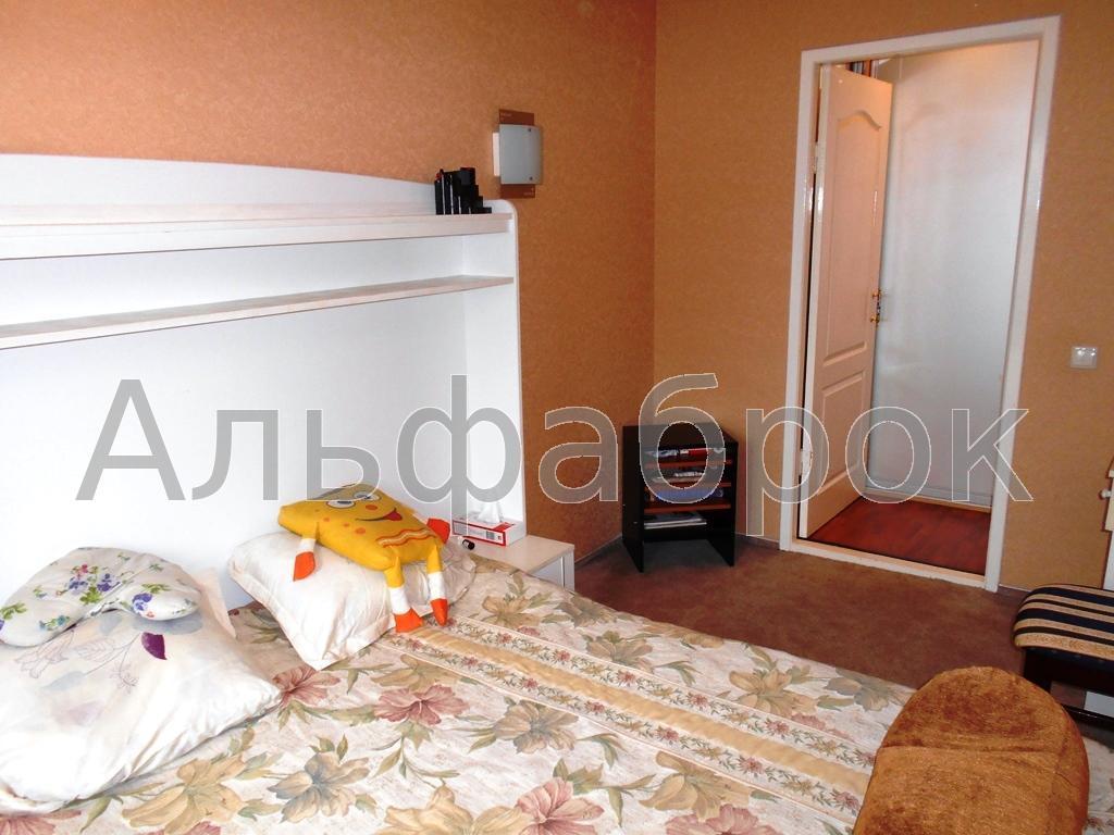 Продам квартиру Киев, Тульчинская ул. 2
