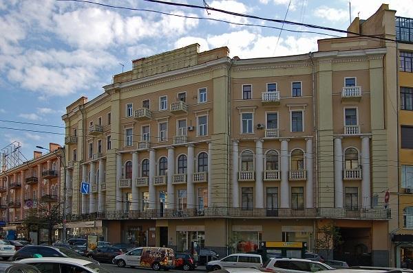 Продам офис в многоквартирном доме Киев, Большая Васильковская ул. 5