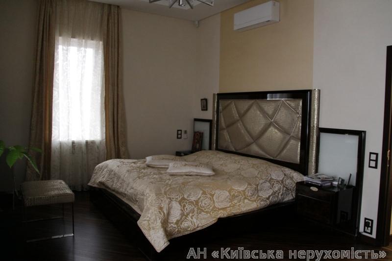Продам дом Киев, Метрологическая ул. 4