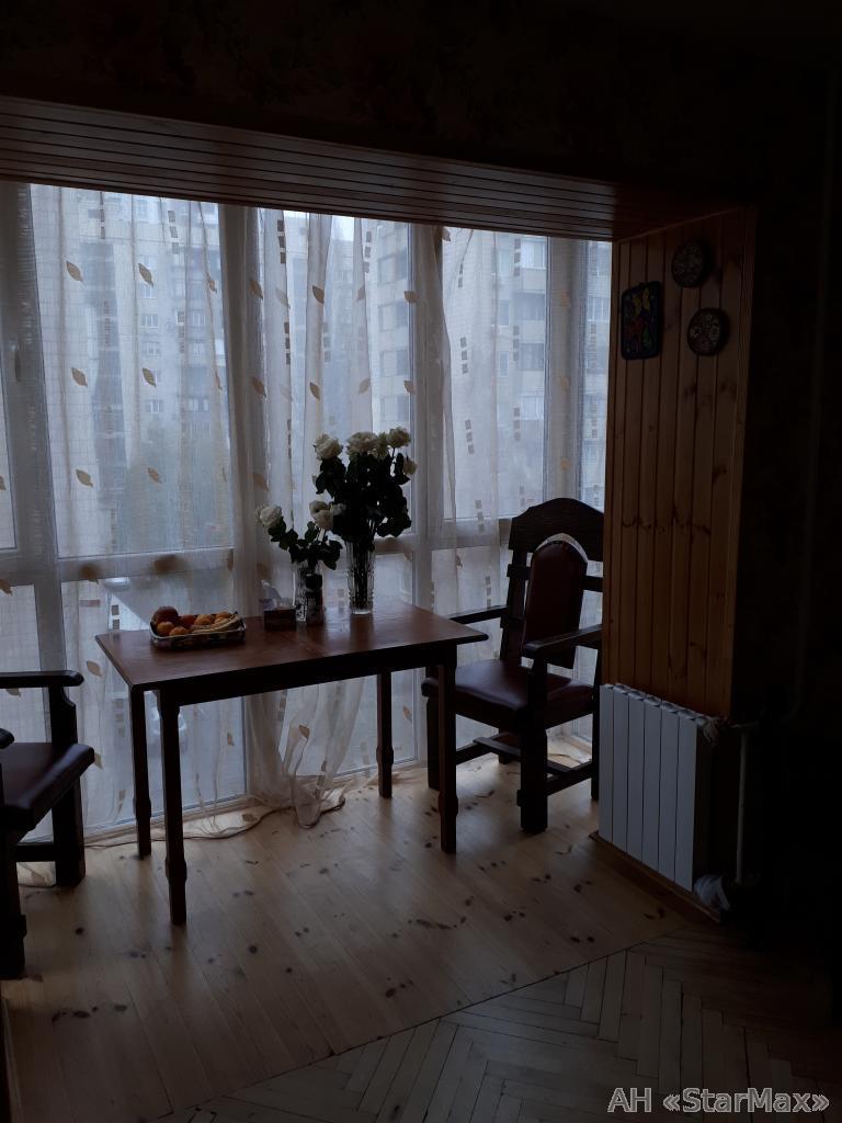 Продам квартиру Киев, Предславинская ул. 2