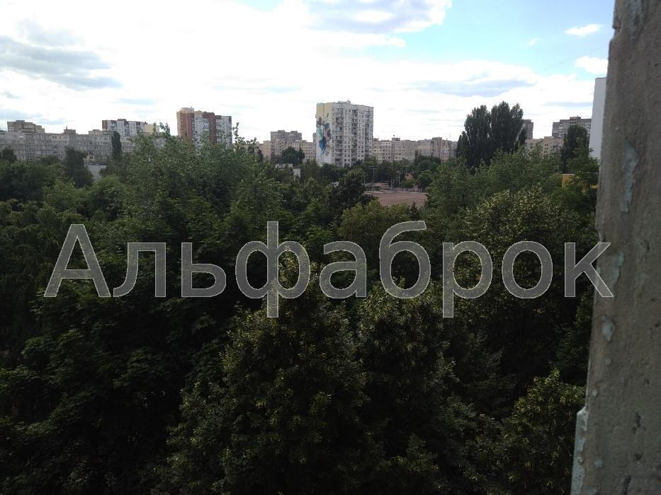 Продам квартиру Киев, Жолудева ул. 3