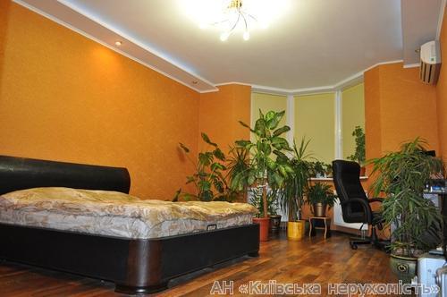Продам квартиру Киев, Княжий Затон ул.