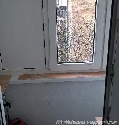 Продам квартиру Киев, Ольжича ул. 5